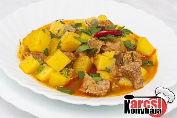 Húsos pityókatokány, azaz paprikás krumpli hússal - Karcsi konyhája