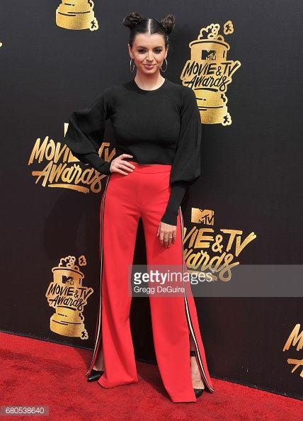 Fotografia de notícias : Rebecca Black arrives at the 2017 MTV Movie And...