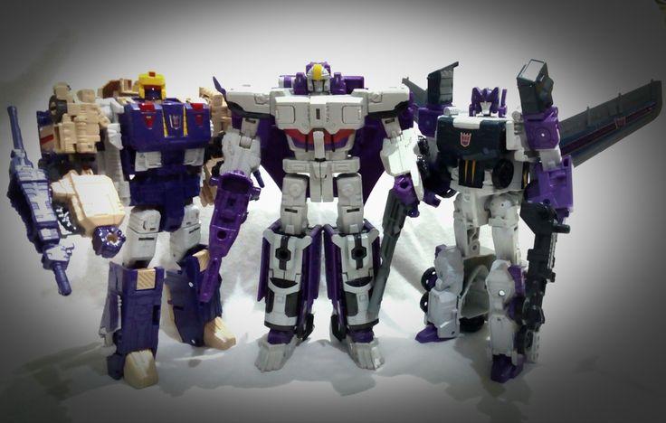 #titansreturn #transformers #hasbro #triplechanger #blitzwing #astrotrain #octone #tankor  The Decepticons Triple Changer lineup.
