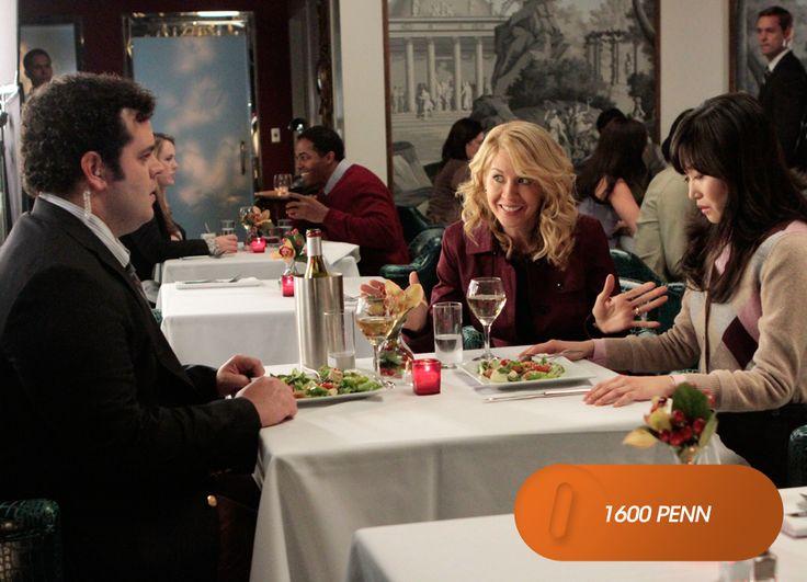 Quando Skip anuncia seu compromisso com Stacey, Emily faz o possível para que tudo saia perfeito.  1600 Penn - Domingos, 10h  #EuCurtoFOX Confira conteúdo exclusivo no www.foxplay.com