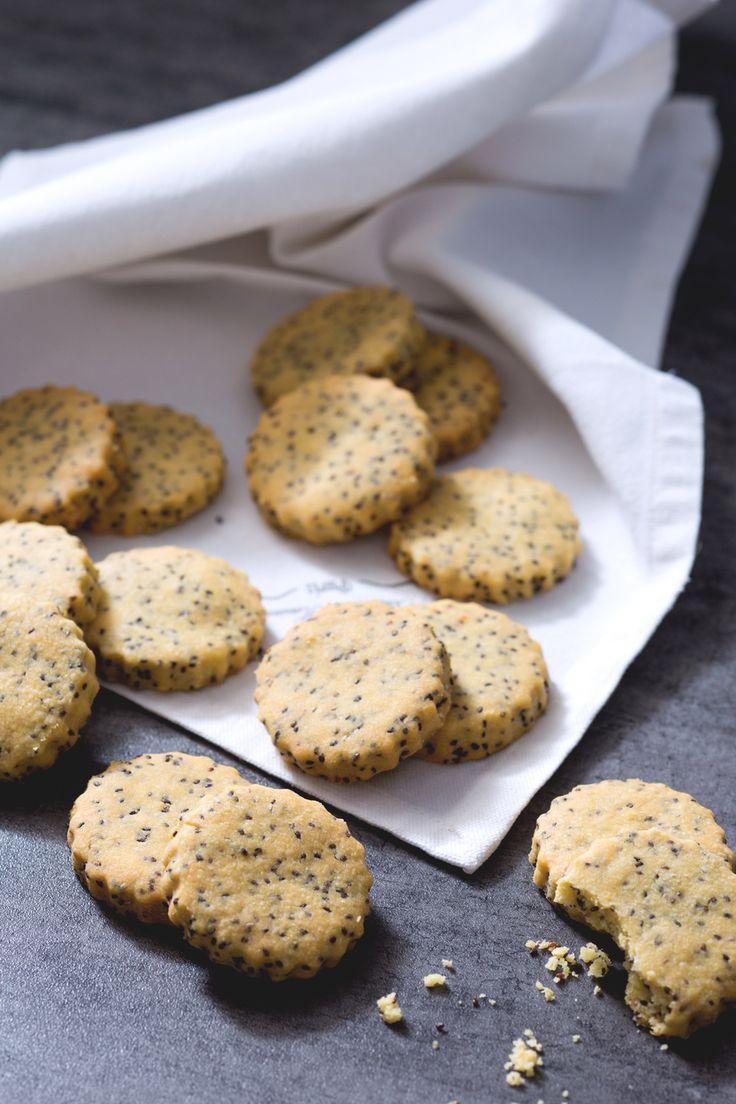Biscotti con semi di chia: perfetti da accompagnare con salumi e formaggi.  [Chia seeds cookies]