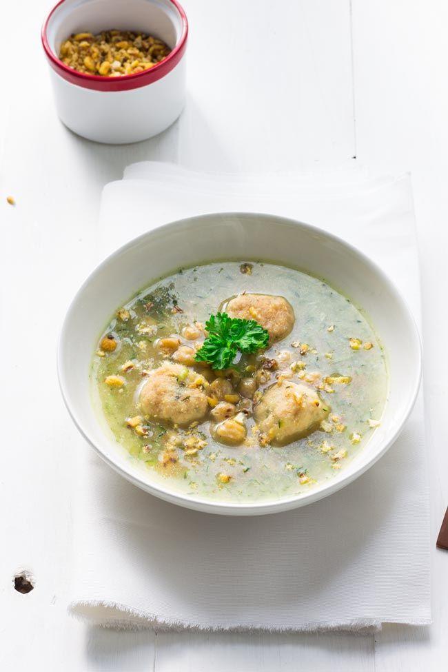 Sopa de pollo y tapioca - Karlos Arguiñano (Cooking the Chef)  ------- Chicken and tapioca soup ------- #meatballs #albóndigas #lacocinadeaisha #cookingthechef #yotamottolenghi #gastronomia #chef #receta #recipe #foodphotography #foodstyling