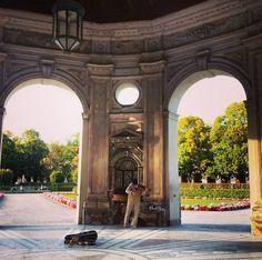 Bei schönem Wetter ist der Dianatempel im Hofgarten ein Traum. Da gibt es dann nämlich immer klassische Musik – der Wahnsinn.