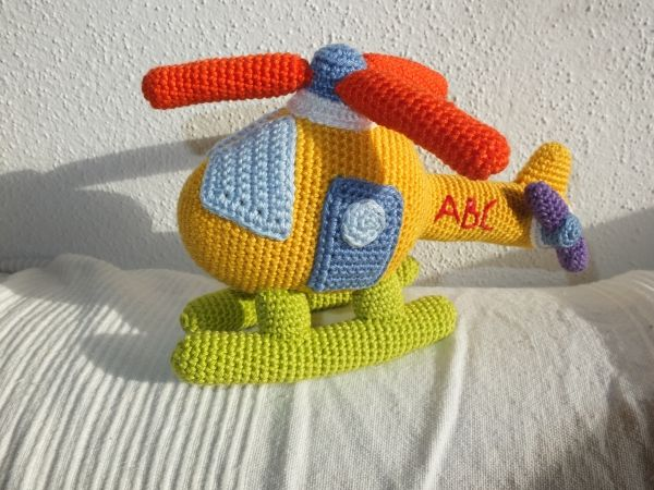 pattern: http://www.ravelry.com/patterns/library/helikopter