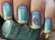 Such a cute beach manicure! Love this nail art.