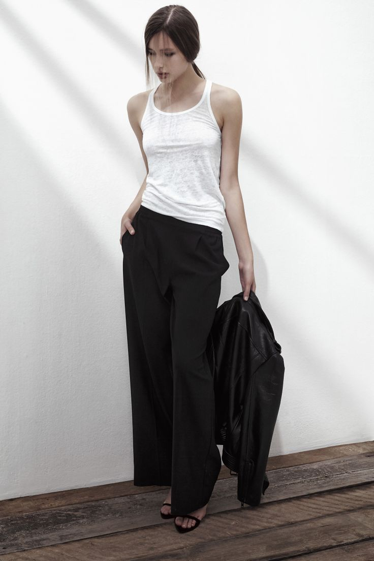 BEACHY HEAD LINEN TANK TOP IN BRIGHT WHITE, ROCKET MAN CREPE TROUSERS IN ANTHRACITE BLACK. www.fallwinterspringsummer.com