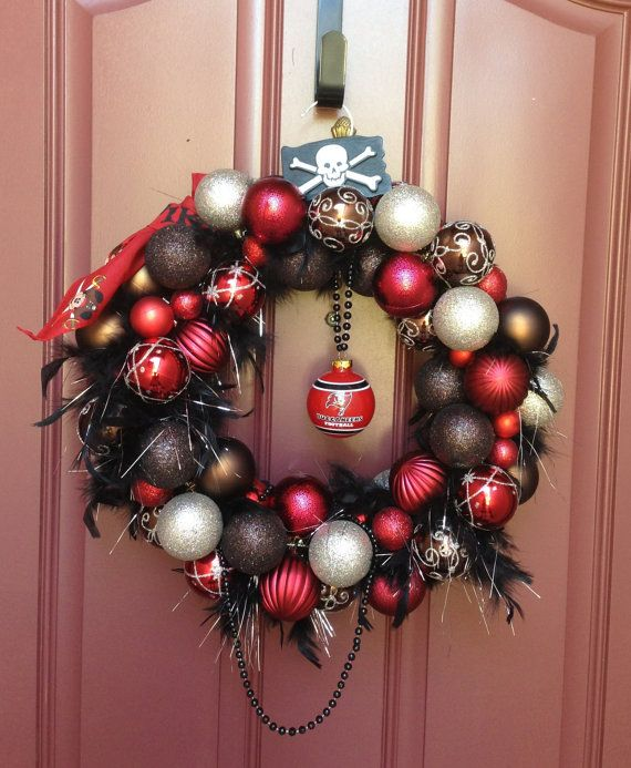 Tampa Bay Buccaneers spirit wreath - gotta get this for cheese!