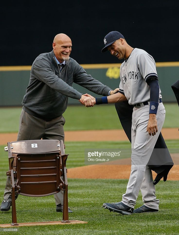 former-seattle-mariner-jay-buhner-presents-derek-jeter-of-the-new-a-picture-id450833406 (780×1024)