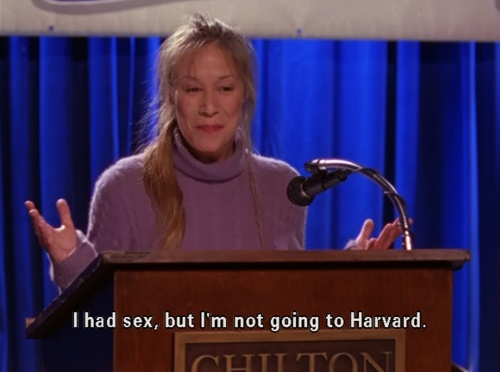 If I need to describe myself, I always say I'm a brunette combo of Paris Geller and Helga G. Pataki...but now I add Britta Perry to the list.: Train Gilmore Girls, Paris, Gillmore Girls, Gilmour Girls, Harvard, Gilmore Girls 2, Belt Gilmore, Stars Hollow
