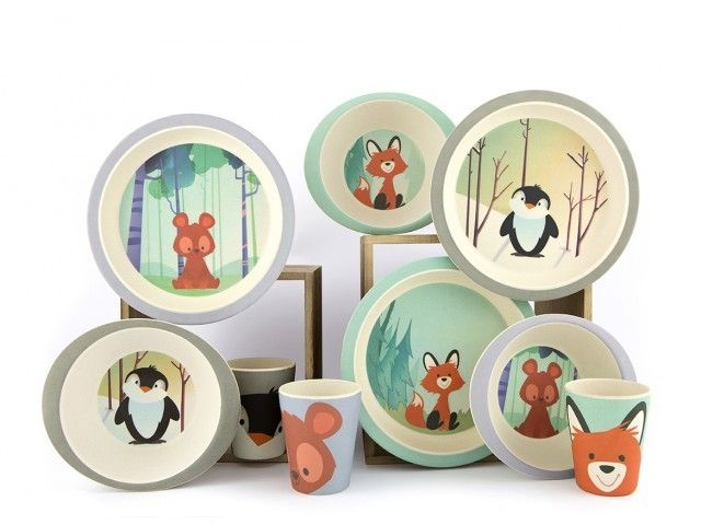 Pure Kids - kinderservies vos van bamboe.Servies vos ;van Pure Kids ;is ;gemaakt van bamboe en bestaat ;uit een bord, eetkom en beker. Dit…