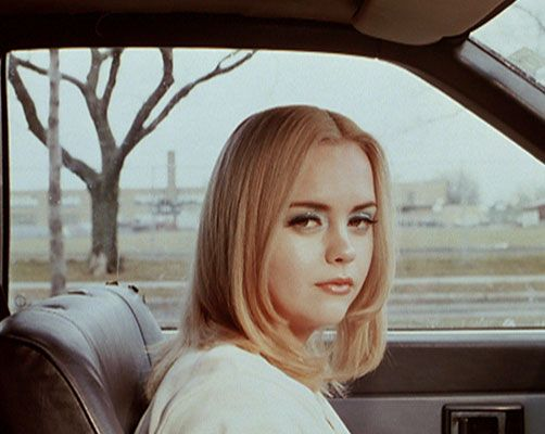 Christina Ricci • Buffalo 66Actor Vincent Gallo (The Funeral, Palookaville) made his feature directorial debut with this drama about convict Billy Brown (Gallo).