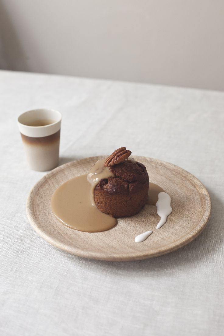 vegan sticky toffee pudding // spring menu // by Wij Zijn Kees // www.ilovesla.com