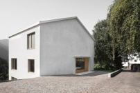 Haus in Südtirol von Daniel Ellecosta / Porphyr und Dolomit - Architektur und Architekten - News / Meldungen / Nachrichten - BauNetz.de