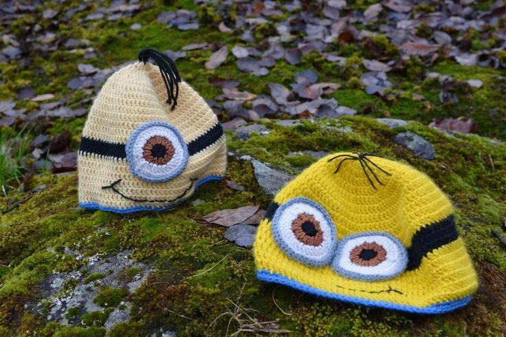 Minions fra Grusomme meg. Heklede luer, norsk mønster. Crocheted Minion hat. Norwegian pattern.
