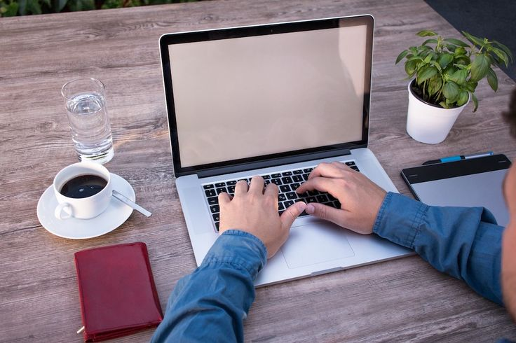 Are you employed or self-employed? It makes a big difference to your tax Working out whether you are an employee or self-employed can be a tricky business and HMRC's view can sometimes be at odds with status defined under employment law. https://www.thesouthafrican.com/are-you-employed-or-self-employed-it-makes-a-big-difference-to-your-tax/