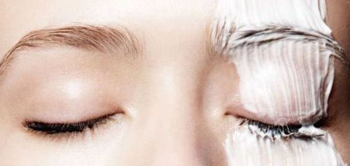Scrubben van het gezicht? Ga liever voor een peeling! Door zo'n peeling ziet de huid er namelijk weer fris uit en het zorgt er ook voor dat de huidconditie verbetert.