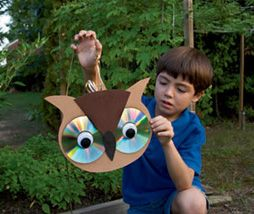 Owl craft using old CDs. Useful in garden to scare birds away from fruit trees, etc.