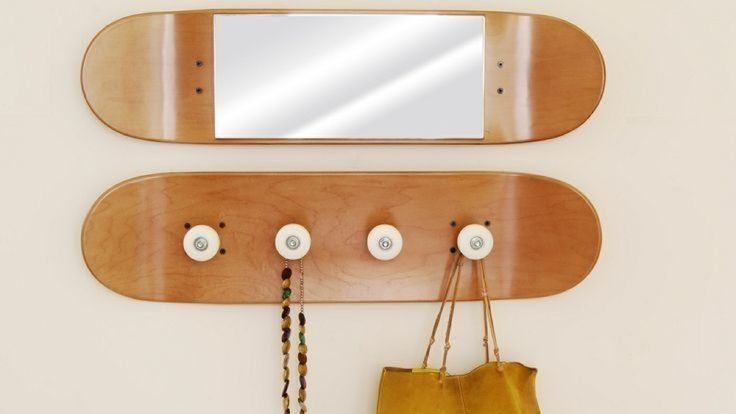 http://1.im6.fr/photo/07922115-photo-miroir-portemanteau-planches-skateboard.jpg