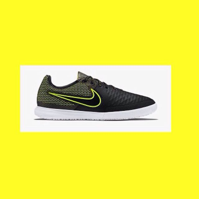 New Nike MagistaX Proximo Indoor