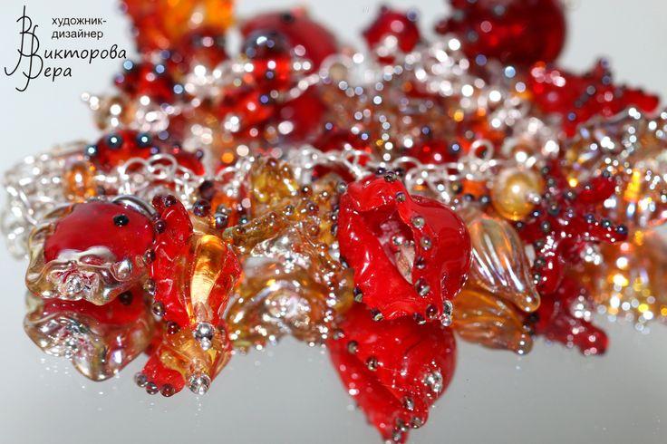 "Браслет ""Королева багряного архипелага"",Авторский лэмпворк Веры Викторовой, Серебро. bracelet ""Queen Archipelago crimson"" , glass beads handmade by Vera Viktorova, sterling silver."