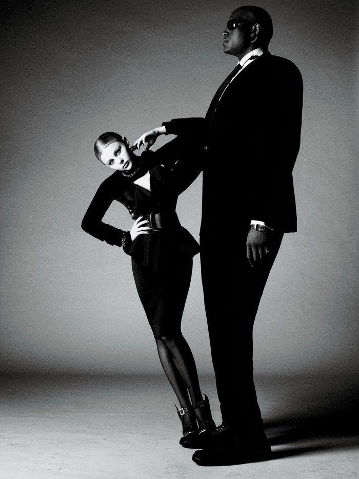 L'homme de votre vie a du goût, mais sa silhouette est tellement difficle à habiller qu'il se décourage?