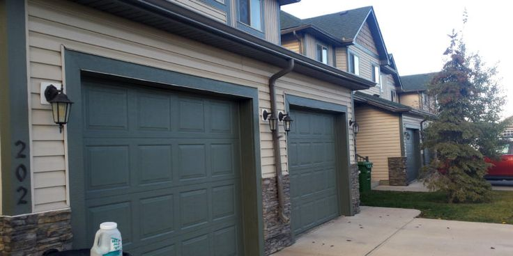 Nelson Custom Coatings - interior and exterior residential and commercial painting in Calgary and surrounding areas in southern Alberta. Based in Rocky View County, Alberta Telephone: +1 403-615-5954