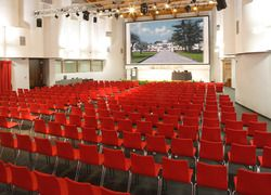 The Rossini meeting room is the largest of our conference center. It is a real gem, unique in its kind in the Veneto region - 700 seats - Park Hotel Villa Fiorita