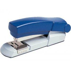 Grapadora de sobremesa para la oficina Skrebba Skre-Boy 132 en color azul, totalmente metálica de gran calidad y resistencia, con capacidad de grapado de hasta 30 hojas