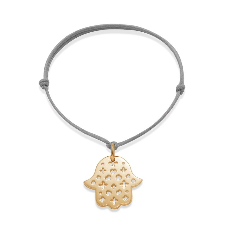 What about the openwork Hand of Fatima? With all of Lilou's iconic symbols: clover, heart, medal, lily! #lilou #bracelet #handoffatima #clover #heart #medal #lily