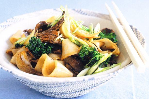 Beef brocollini  rice noodles