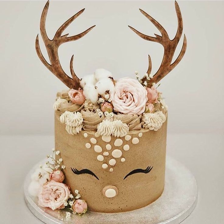 "Wedding And Style Blog on Instagram: ""This sweet little reindeer cake is givin"