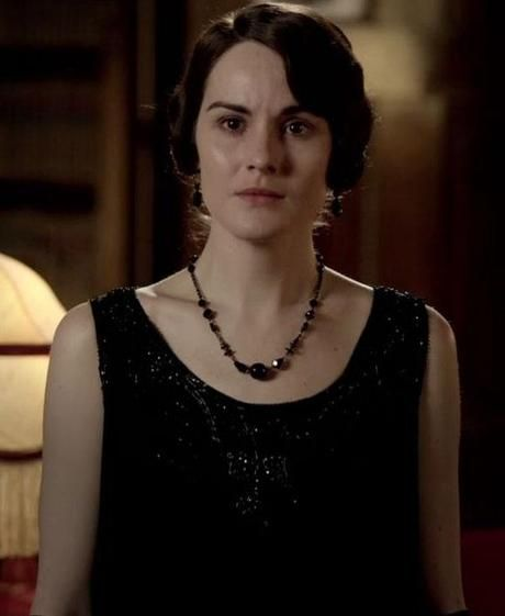 Lady Mary - grieving the loss of Matthew wearing short jet black crystal necklace
