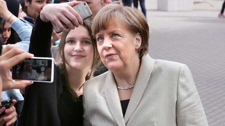 LeFloid-Interview mit der Kanzlerin: Was Teenager wirklich von Merkel wissen wollen #LeFloid-#Interview mit der #Kanzlerin Dr. #Merkel - Was #Teenager wirklich von Merkel #wissen wollen http://www.bild.de/politik/inland/angela-merkel/fragen-an-angela-merkel-41699378.bild.html