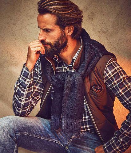 【秋】茶色ダウンジャケット×紺チェックシャツ×紺ジーンズの着こなし(メンズ) | Italy Web