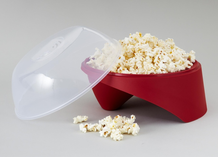 Watching a movie at home and feel like having some popcorn? This trendy and easy-to-use Starmaid® Superstar Popcorn Maker® for microwave is a great companion to your movie night at home.