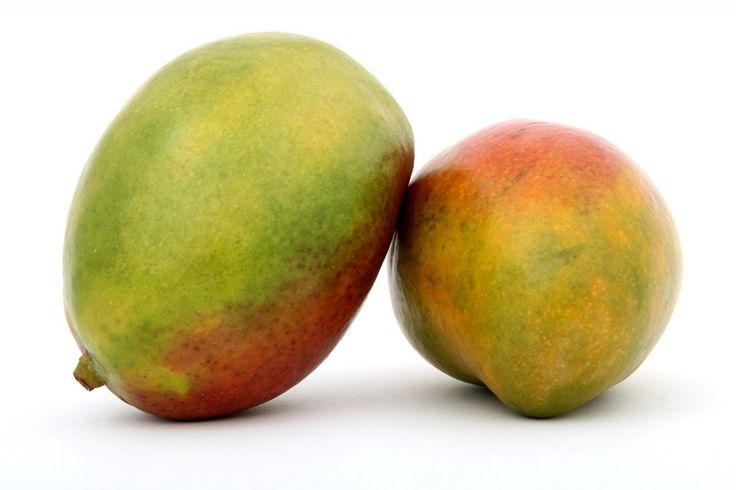 """V dnešnej dobe toto tropické ovocie nájdete v obchodoch pomerne bežne. Jeho cena je vyššia ako ceny nášho """"domáceho"""" ovocia, ale napriek tomu určite viacero z vás siahne aj po mangu. V čom je špeciálne, čo obsahuje, ako vlastne chutí a ako ho máme konzumovať? Čo je to mango a odkial pochádza Mango je plodom …"""