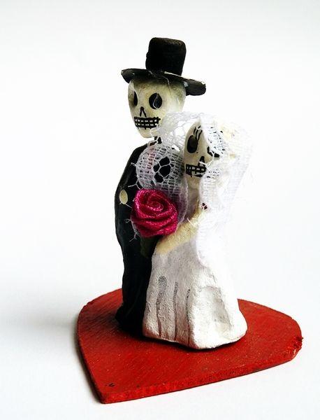 Décorations de mariage, Couple de Mariés Mexicains #têtedemort #novios #calaveras #mariage #cadeau #cake #topper