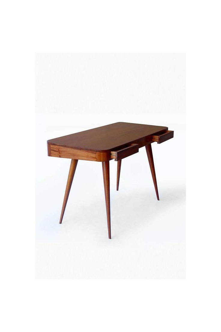 Moda Desk - Urban Outfitters