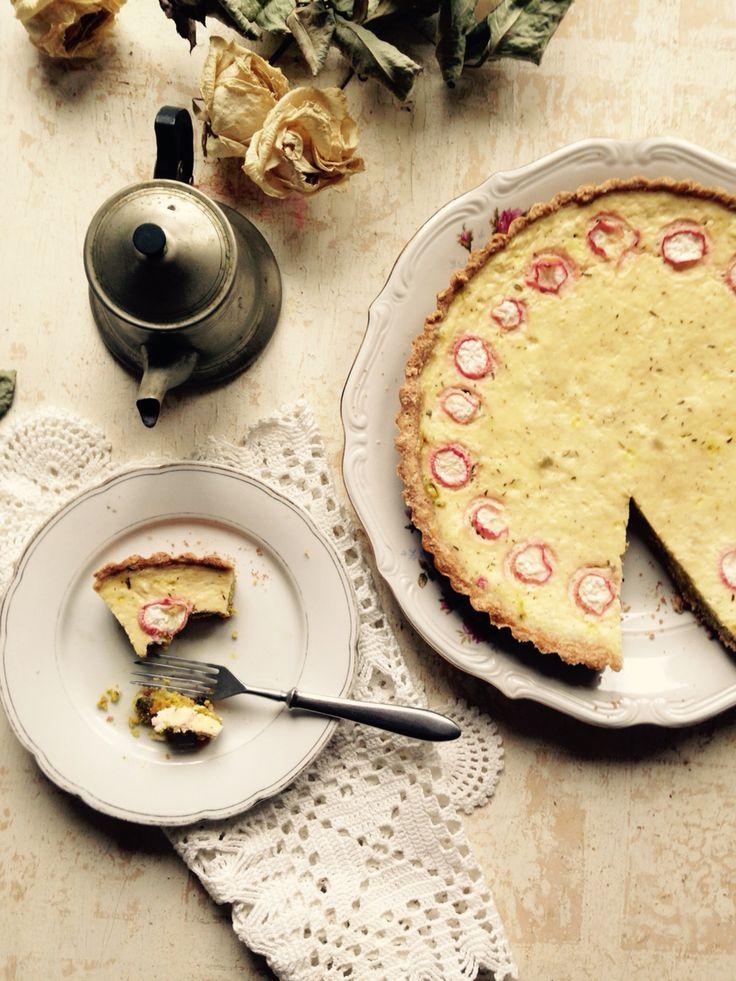 Torta integral de aveia, curcuma, cogumelo, ricotta e cream cheese