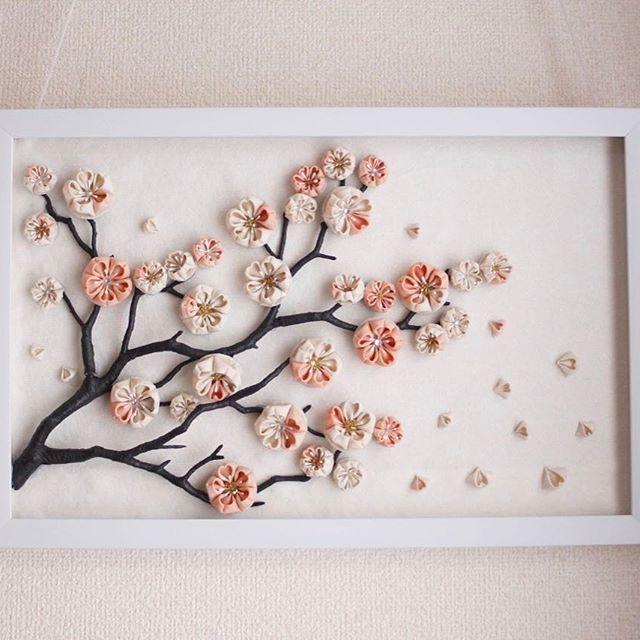 本物の枝は切ったらいけないから....でも家の中でも楽しみたいから... #craful2017春コンテスト #春 #flower #花 #craful#つまみ細工 #桜#cherryblossom #accessory #handmade #広島#安佐南区#hiroshima#壁掛け#額縁