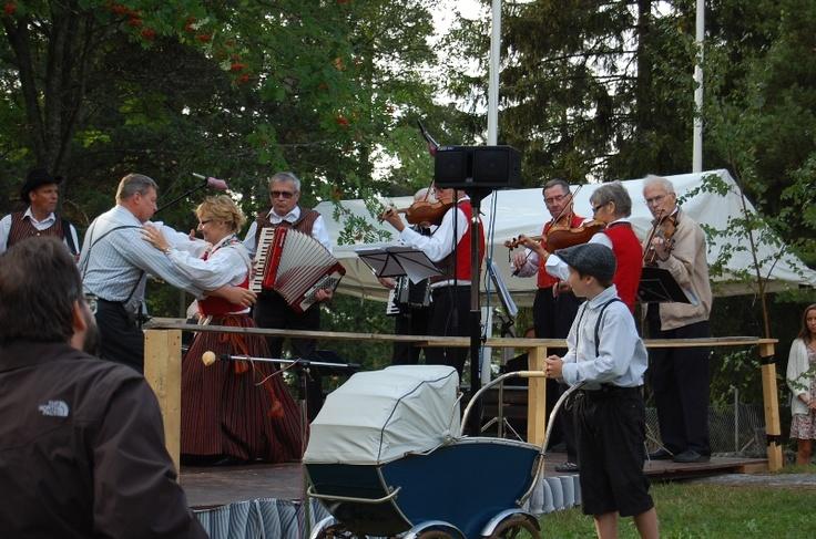 Vecka 47 - Sommarfesten på Kronvik 2012 Foto: Carl-Erik Näsman