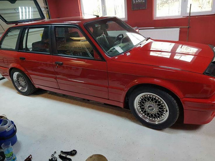 Rare E30 320IS Touring mint condition