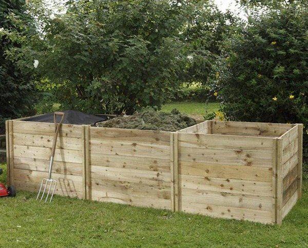 composteur-bois-DIY-fourche-a-becher-pelouse