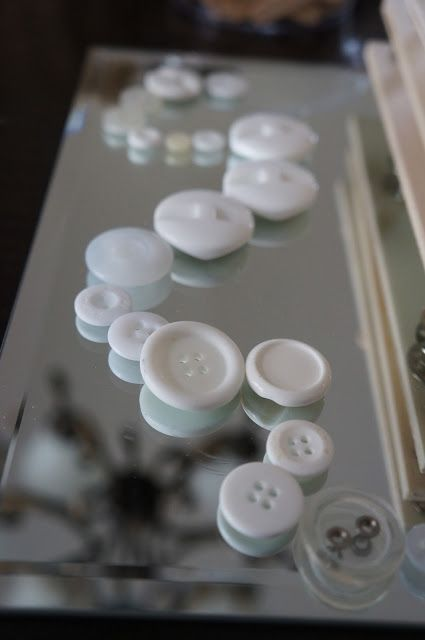 Loose parts provocation with mirrors -Playful Learning in the Early Years ≈≈