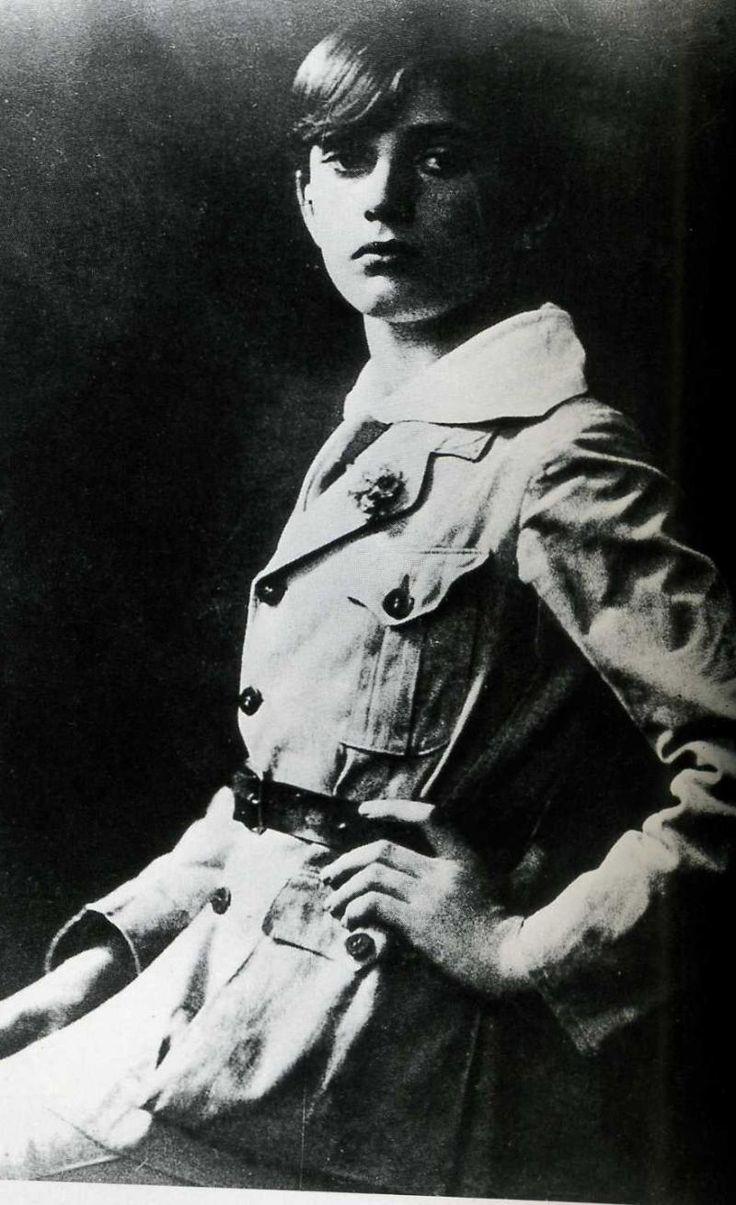 Luchino Visconti, ragazzo c.1920