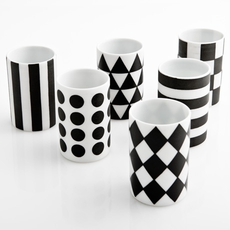 I love mugs.  Especially mugs with patterns.