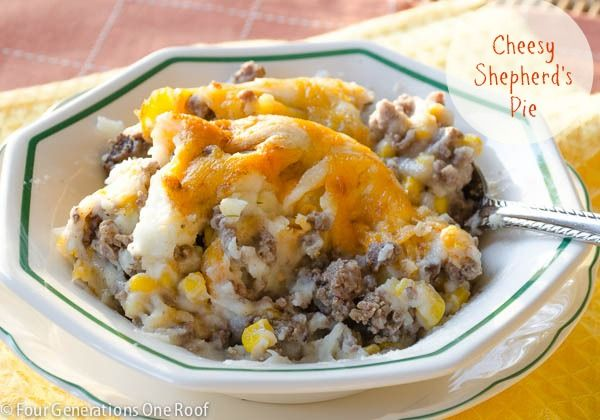 how to make a cheese shepherd's pie with hamburger, potato, corn and cheddar cheese. A quick and delicious dinner that everyone will enjoy.