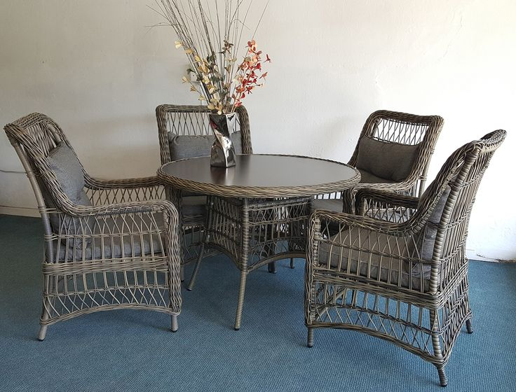Your guests will be wowed when they see how fashionable outdoor furniture can be #homedecor http://bit.ly/1JAsHXm