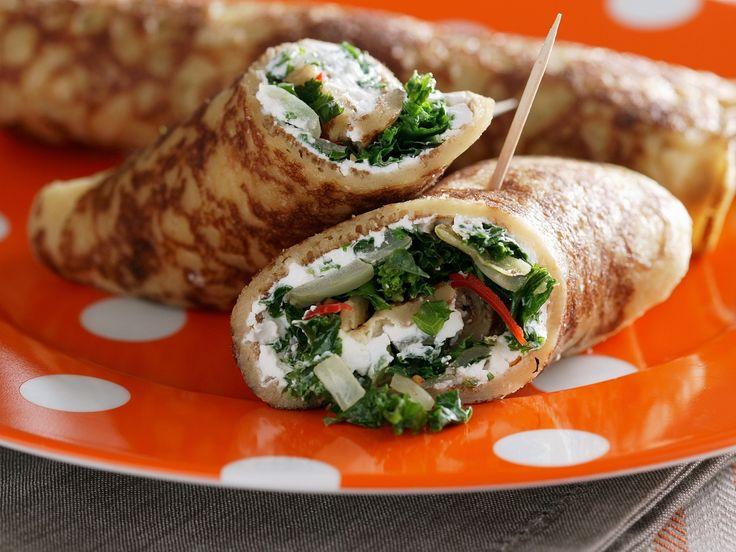 Salat mal etwas anders! Crêpe mit Salat und Ziegenkäse - smarter - Zeit: 40 Min. | eatsmarter.de