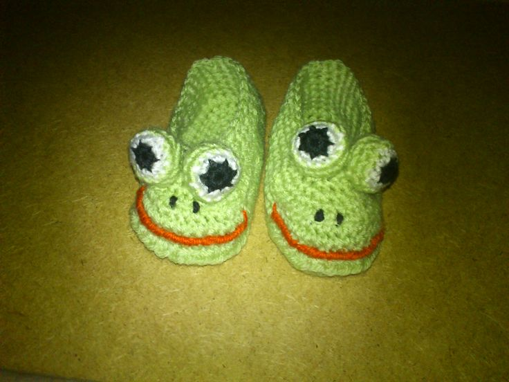 Knitting Pattern For Frog Slippers : 1000+ images about crochet on Pinterest